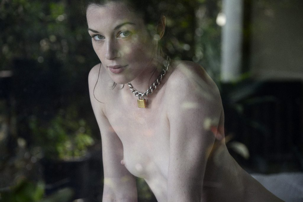 04_STOYA_BY_TIM_BARBER