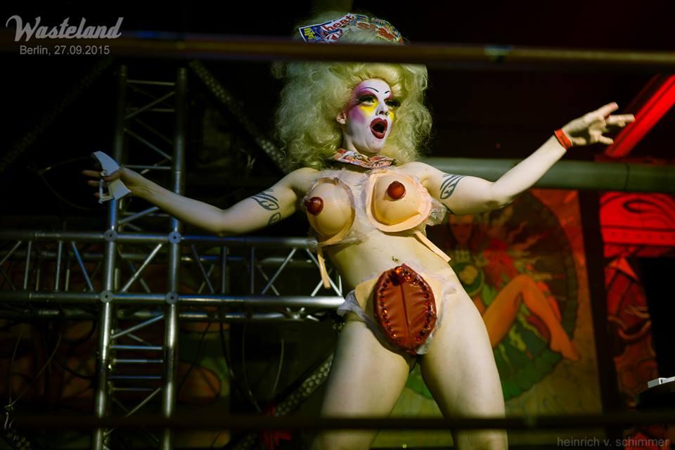 berlin seks klub gayscooby doo crtani porno tube