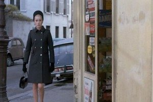 Catherine-Deneuve_Belle-de-Jour_grey-coat-street.bmp