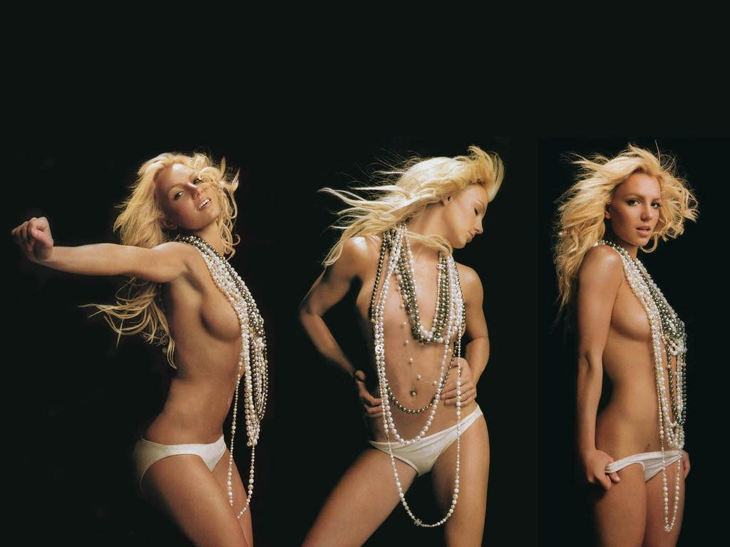 britney_spears_6a_esquire_nude_topless