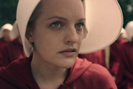 elisabeth-moss-as-offred